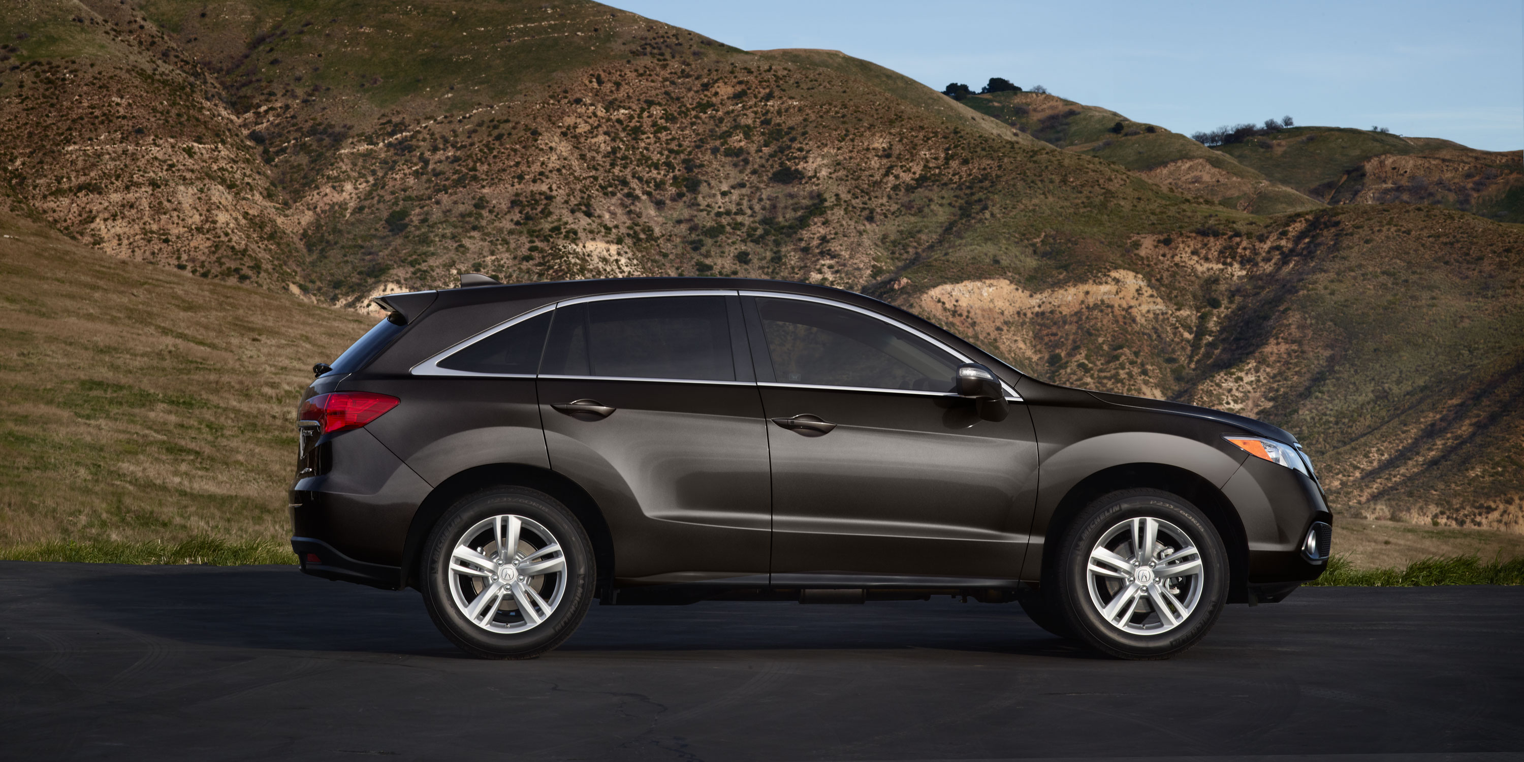 on the road in the 2014 acura rdx butler acura 39 s blog. Black Bedroom Furniture Sets. Home Design Ideas