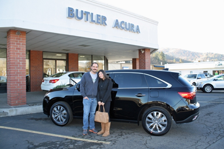 Rob and Maggie with their new Acura MDX