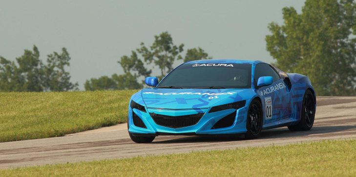 2014-nsx-exterior-prototype-in-mid-ohio-indycar-blue-graphics-right-curve-11