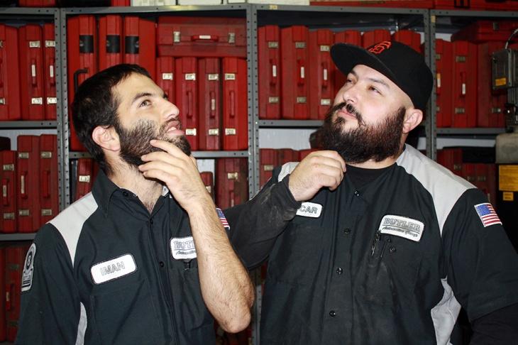 Iman and Oscar contemplating their burliness